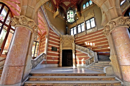 inside-hospital-sant-pau-in-barcelona